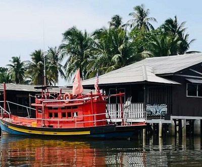 Maena Water Chalet tawar pengalaman berbeza kepada pengunjung