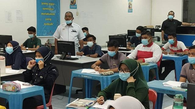 UUM bantu calon SPM di 5 sekolah menerusi Klinik SPM